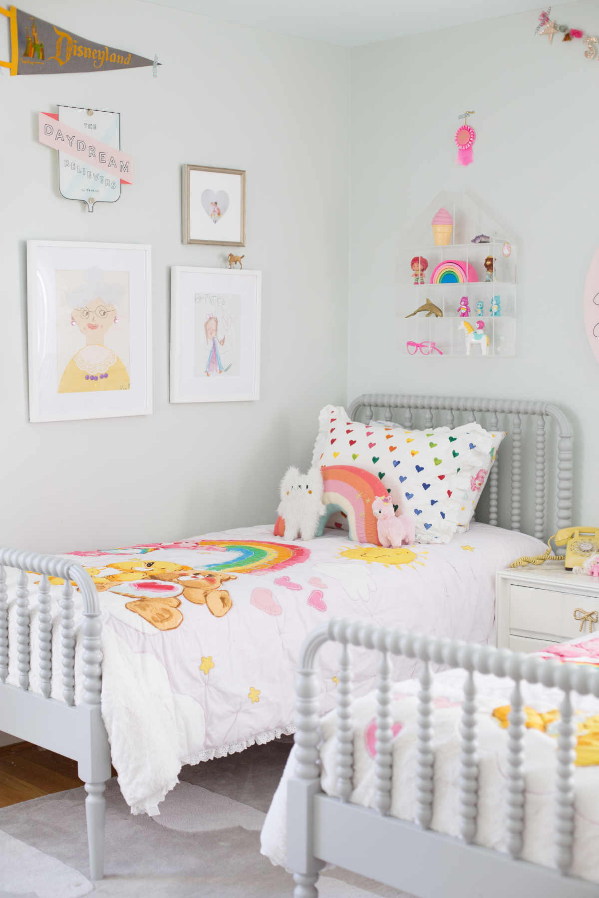 Shared room ideas for three girls lay baby lay shared sister room ideas sisterspd