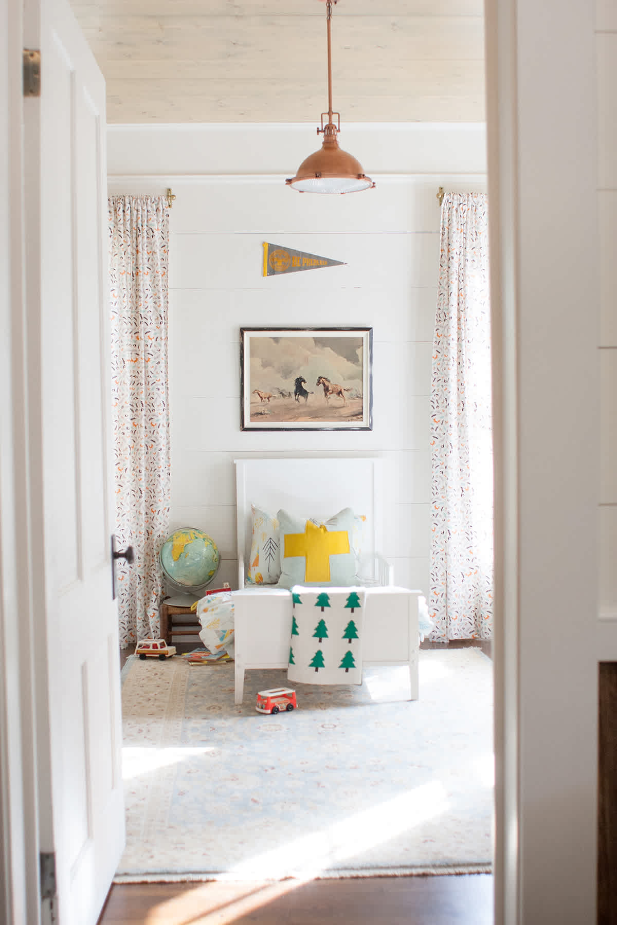 bright and happy little boy room ideas