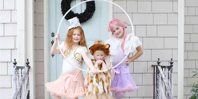 Easy Circus Costumes For Halloween Lion Tamer Lion And Trapeze Artist Lay Baby Lay