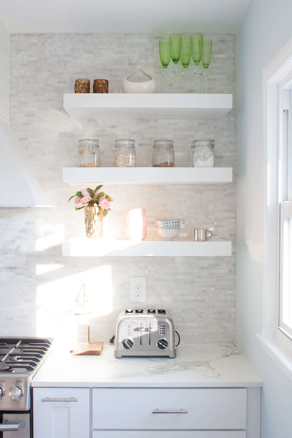 how to organize open shelving in a kitchen Lay Baby Lay
