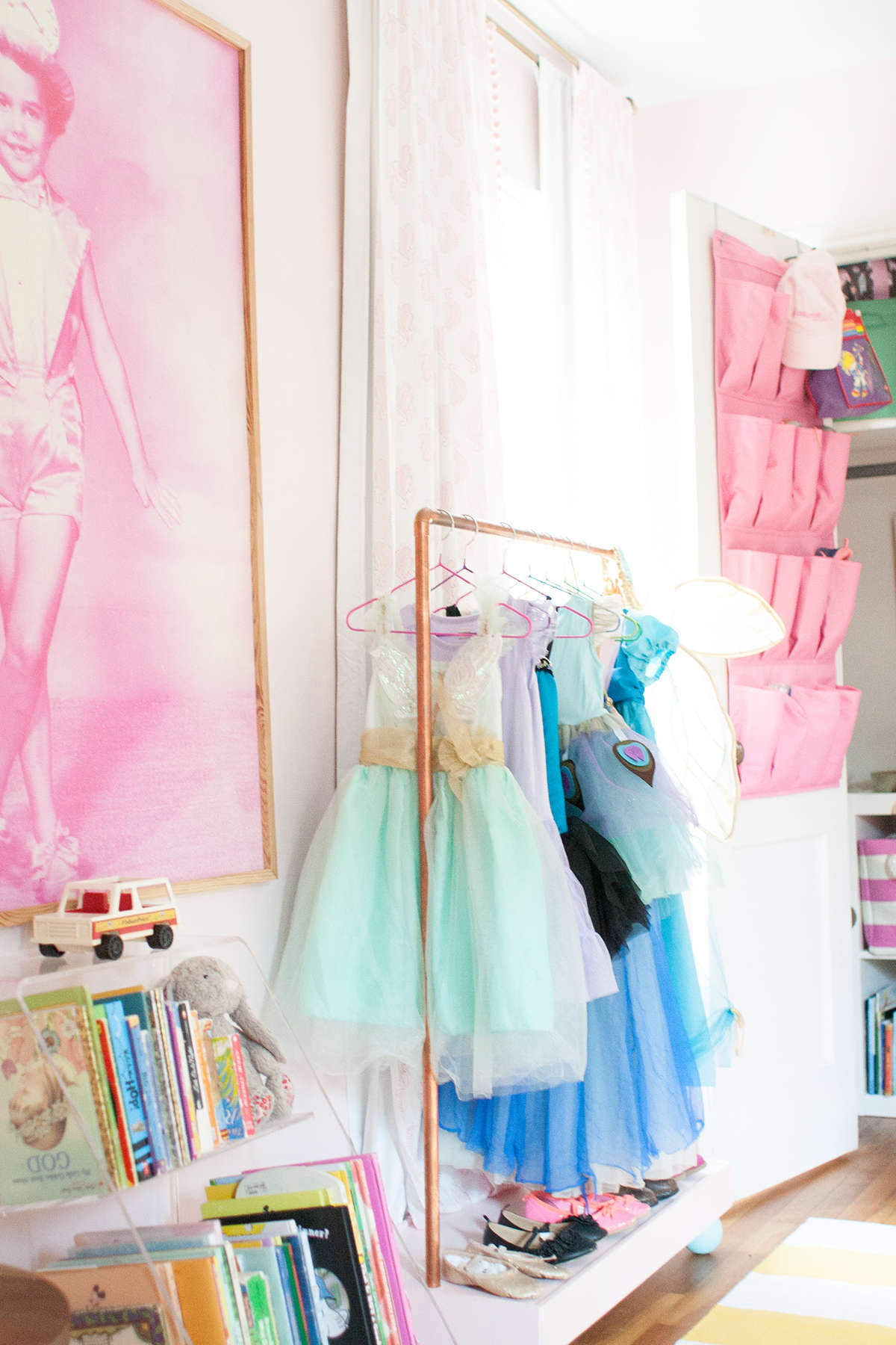 DIY dress up rack