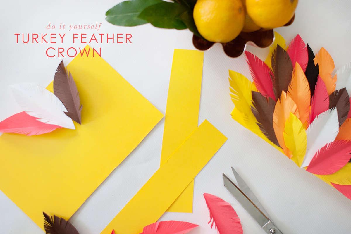 Diy thanksgiving paper decor - Turkey Feather Crown