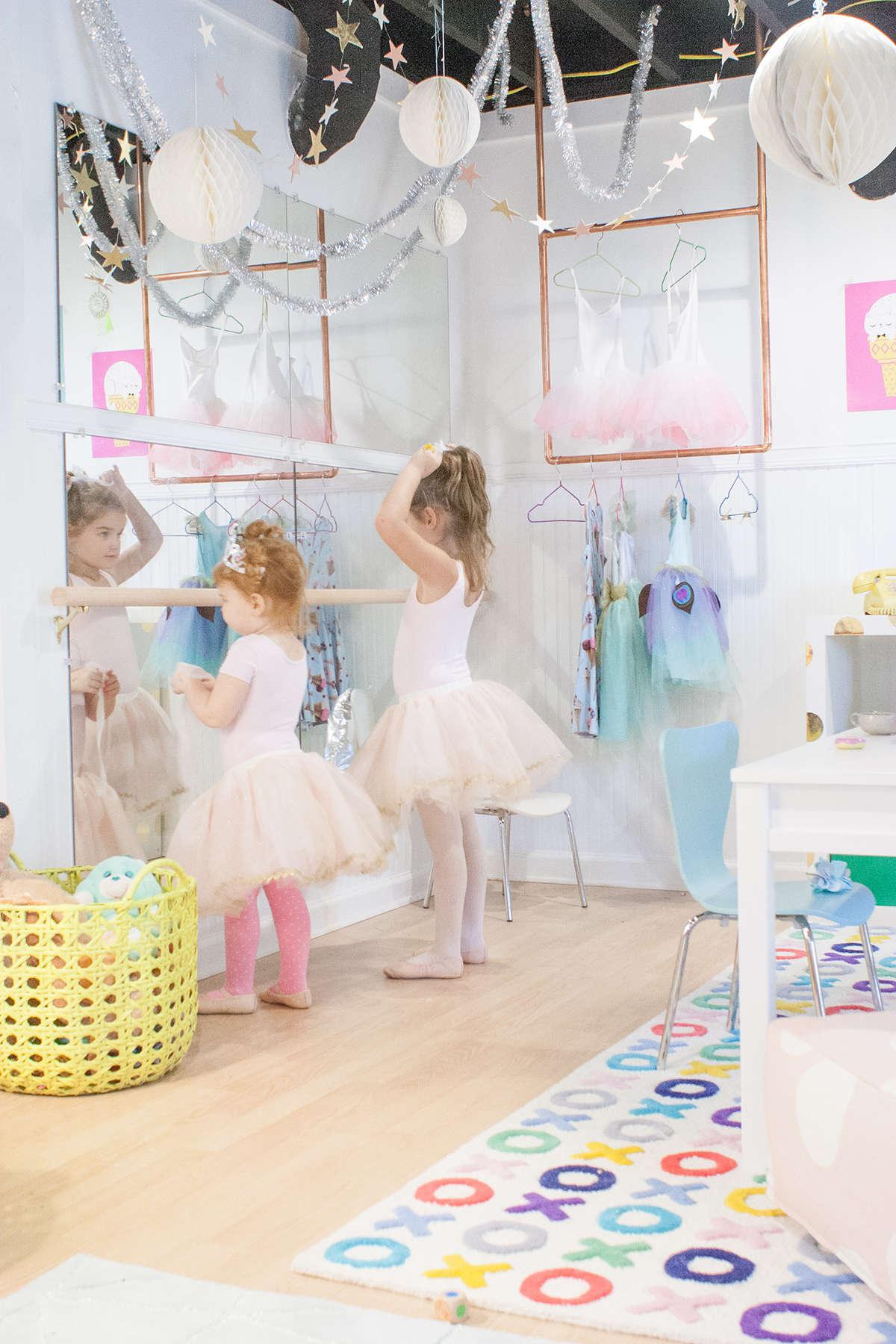 Diy Ballet Bar Mirror Diy Campbellandkellarteam