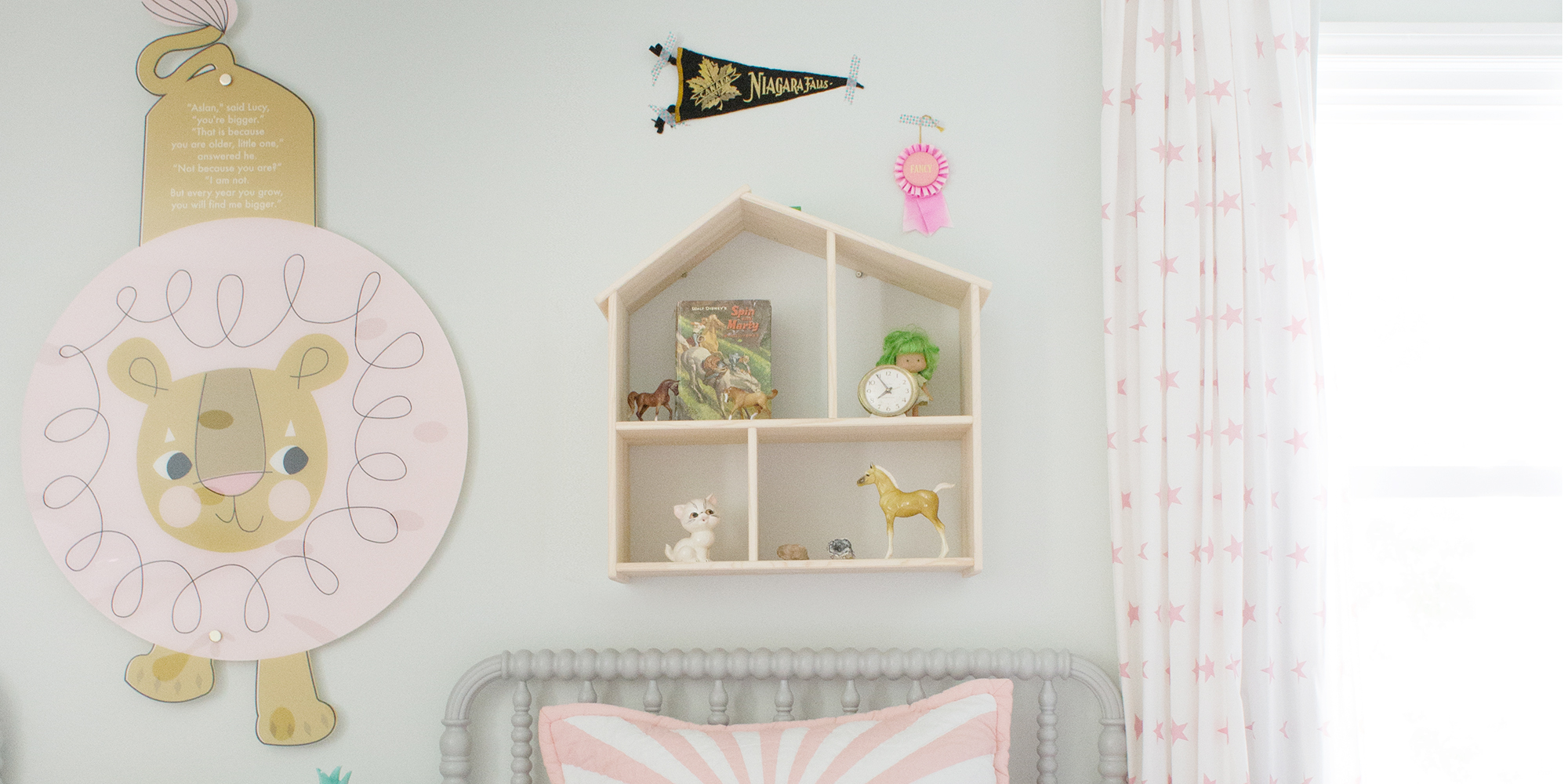 Cute Shelving To Go Above A Kids Bed Lay Baby Lay
