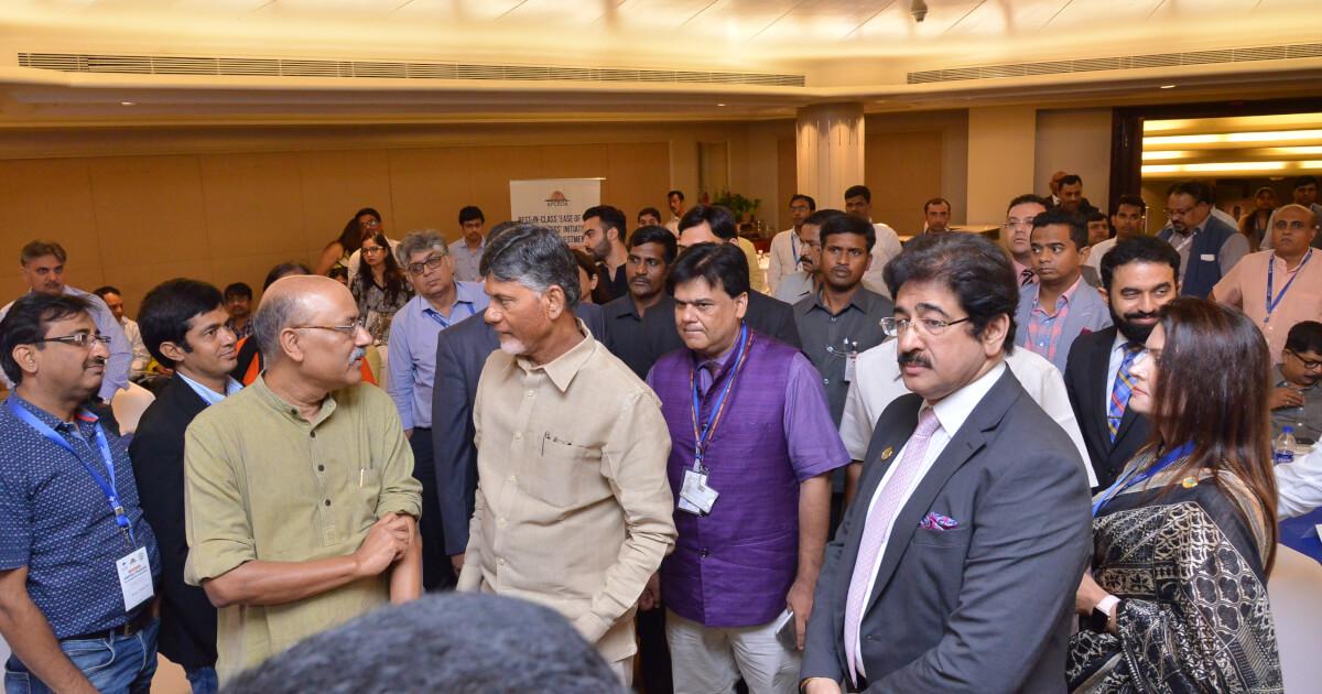 Shri N. Chandra Babu Naidu, Hon'ble Chief Minister of Andhra Pradesh and Shri Praveen Prakash, IAS, Resident Commissioner of Andhra Pradesh met senior media representatives.