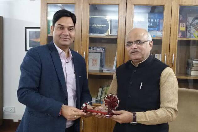 Shri Vikas Sharma with Shri Vinay Sahasrabuddhe Ji, Hon'ble Member of Parliament (Rajya Sabha), National Vice President BJP & President ICCR.
