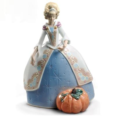 "Lladro ""Cinderella"" Porcelain Figurine"