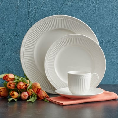 "Mikasa ""Italian Countryside"" Dinnerware Set"