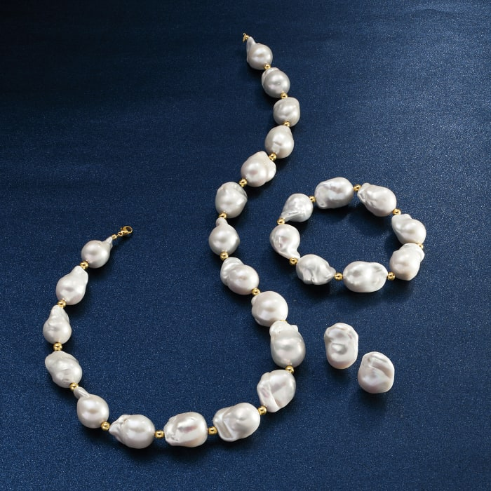 13-14mm Cultured Baroque Pearl Stretch Bracelet with 14kt Yellow Gold
