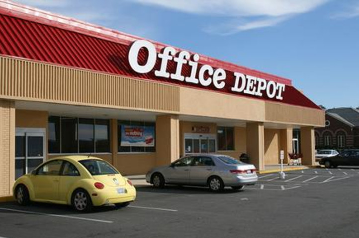 Emerging rivals help Office Depot/OfficeMax gain FTC clearance