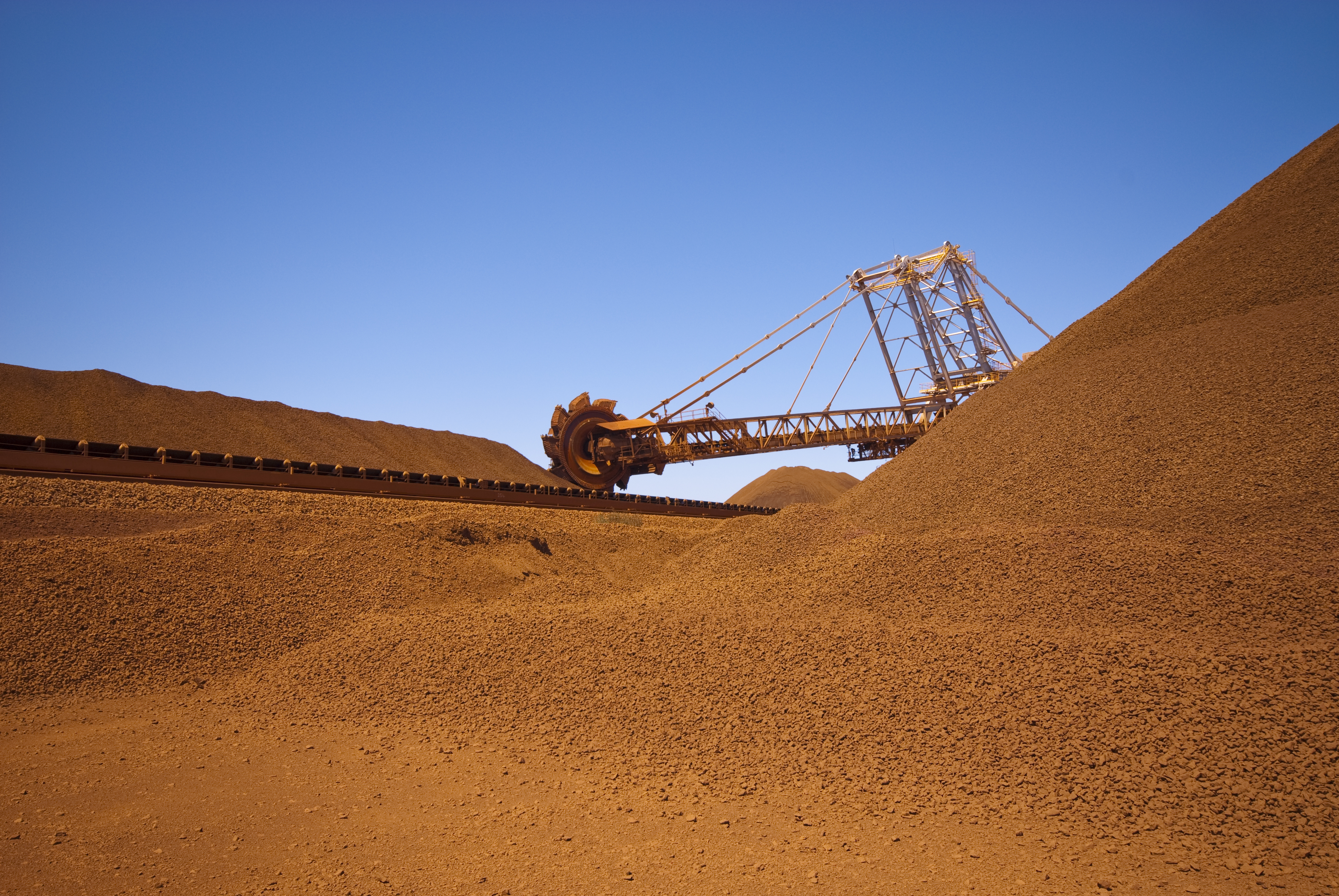 australian iron ore mining industry review