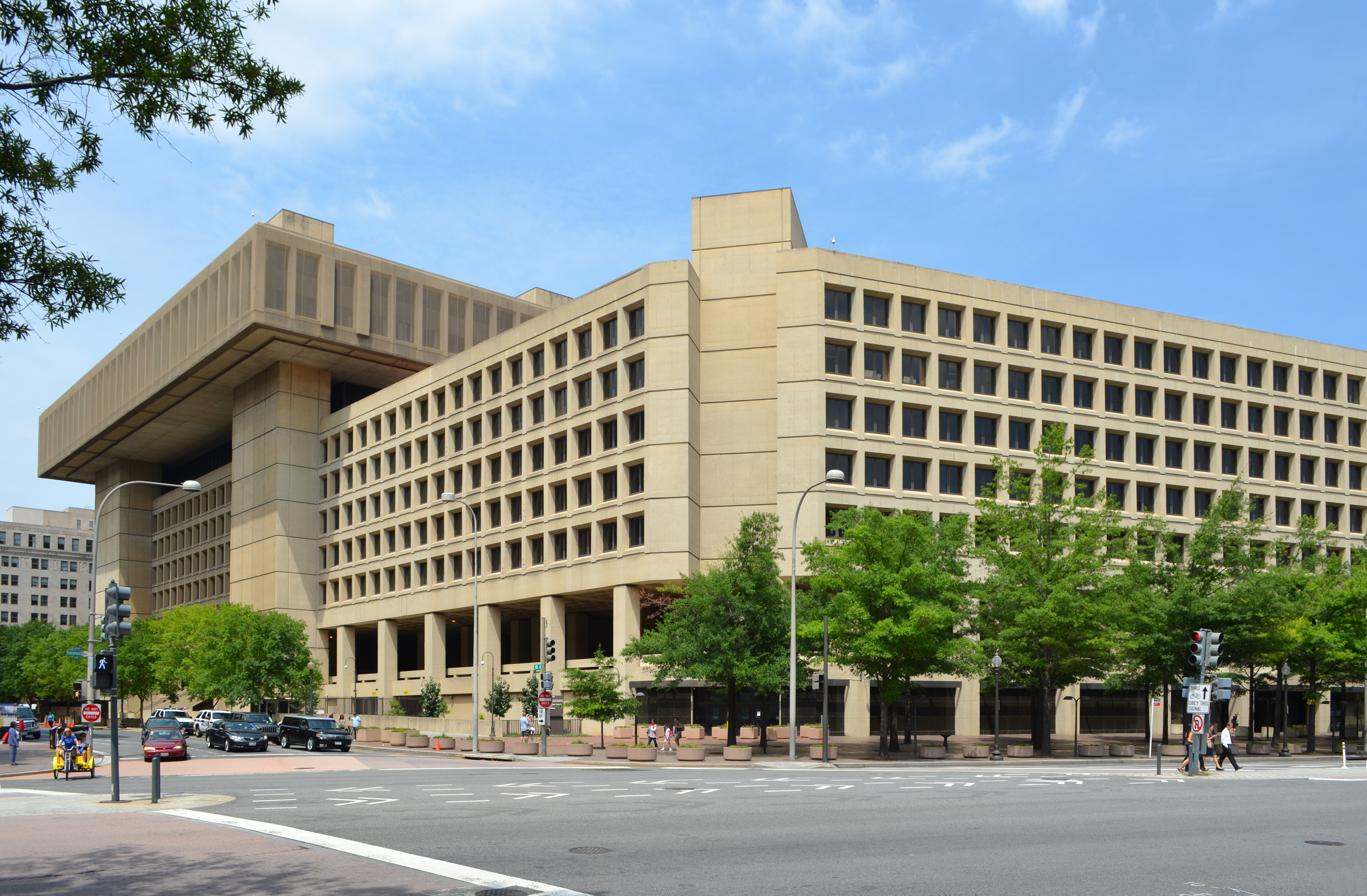 FBI sees international corruption unit changes