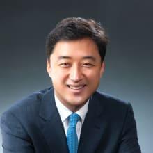 Tony Dongwook Kang
