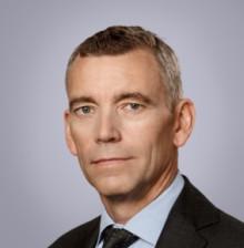 Eric M Runesson