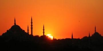 Alfa turns third-party funder to halt Turkish telecoms sale