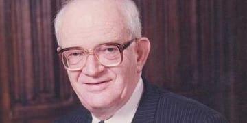 Sir Ian Sinclair QC 1926-2013