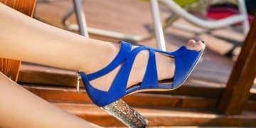 Judge tells shoe impresario to toe the line