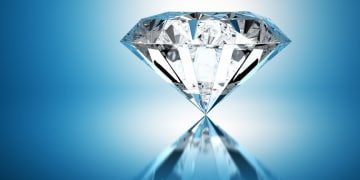 Jewellers duel in diamond dispute