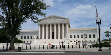 Apple defence questioned by justices