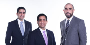 Dentons opens El Salvador office and hires partner in Panama