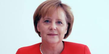 Merkel backs separate EU internet infrastructure