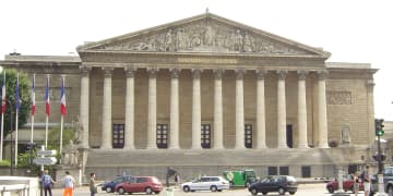 New French corporate secrecy law protects whistleblower disclosures