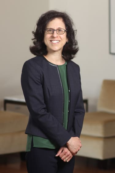 Manhattan prosecutor returns to private practice