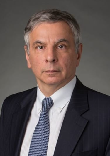 Alexandrov quits Sidley Austin to go solo