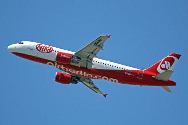 Austrian administrator reopens bidding for Niki