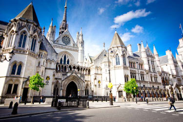 English court halts Dana Gas dividend payments