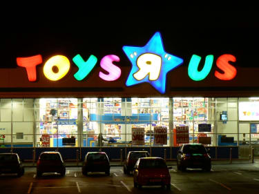 Retail restructuring: The crumbling of brick-and-mortar business