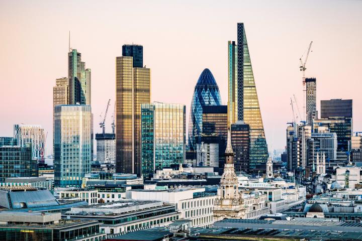 Arnold & Porter Kaye Scholer hires in London