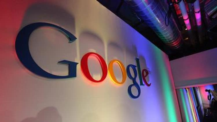 Google strikes back in war of words with News Corp