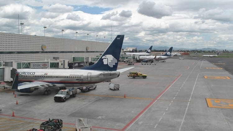 "Mexico looks at airport slots in first ""barriers to competition"" investigation"