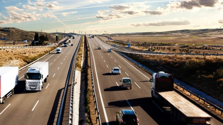 EU dumps highest-ever cartel fine on truck makers