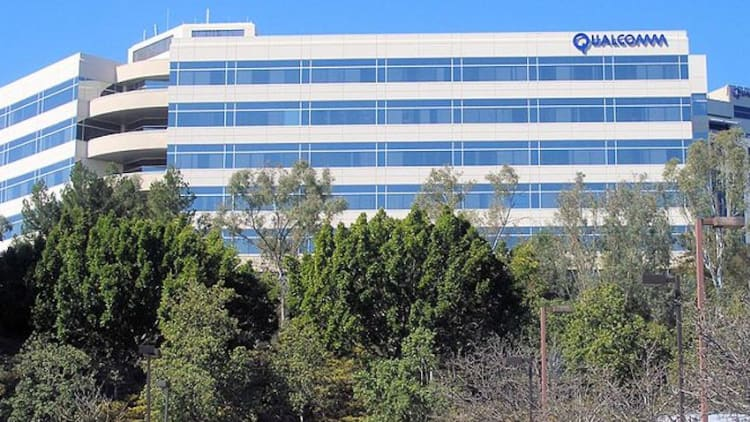 US court says Qualcomm must license to rivals under FRAND