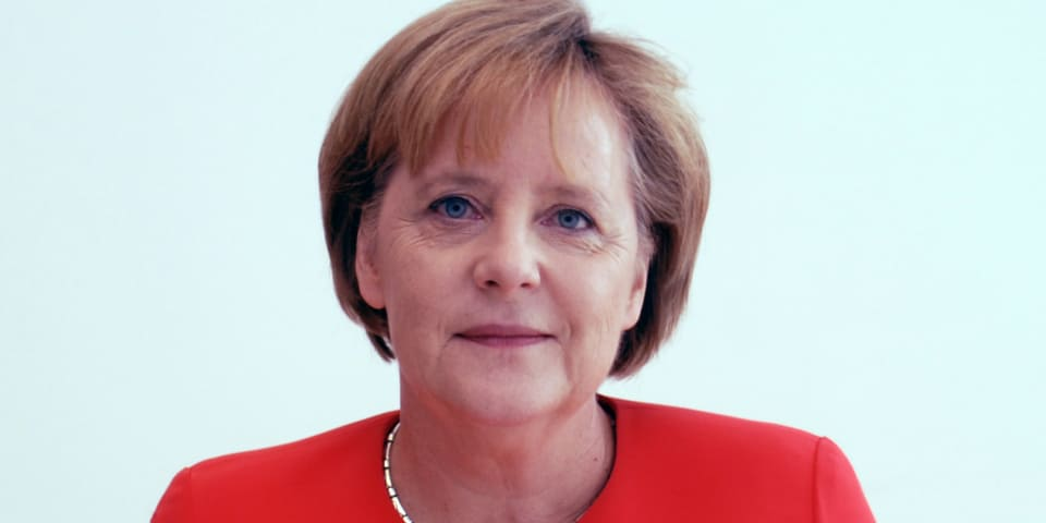 Merkel backs separate EU internet infrastructure