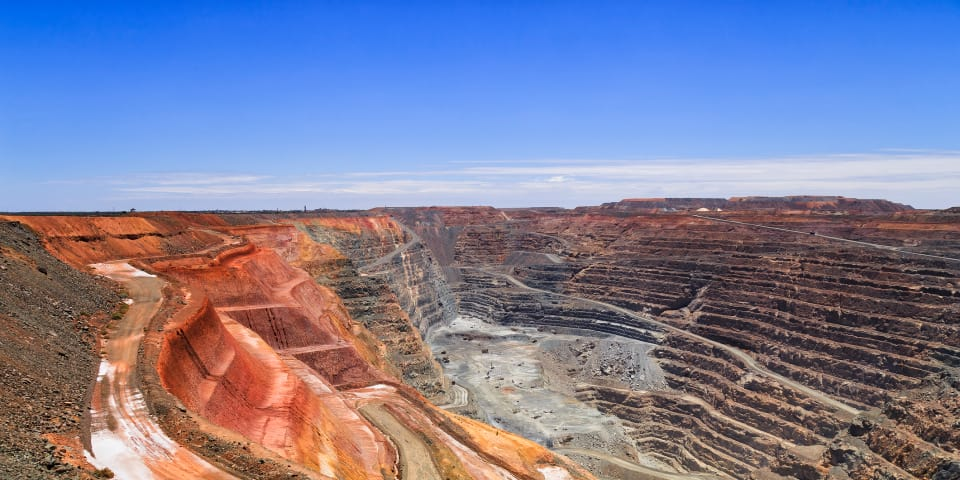 Steinmetz targets mining companies for evidence on Guinean project