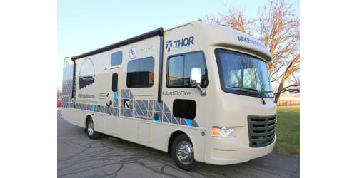 Lippert Components and Thor Motor Coach to Present New Motorhome to Ark Project Now