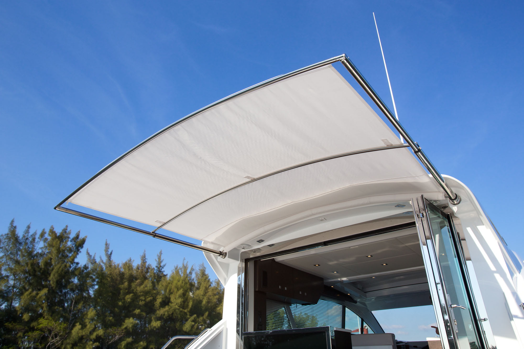 Shade Systems that Quietly Transform Boat Designs