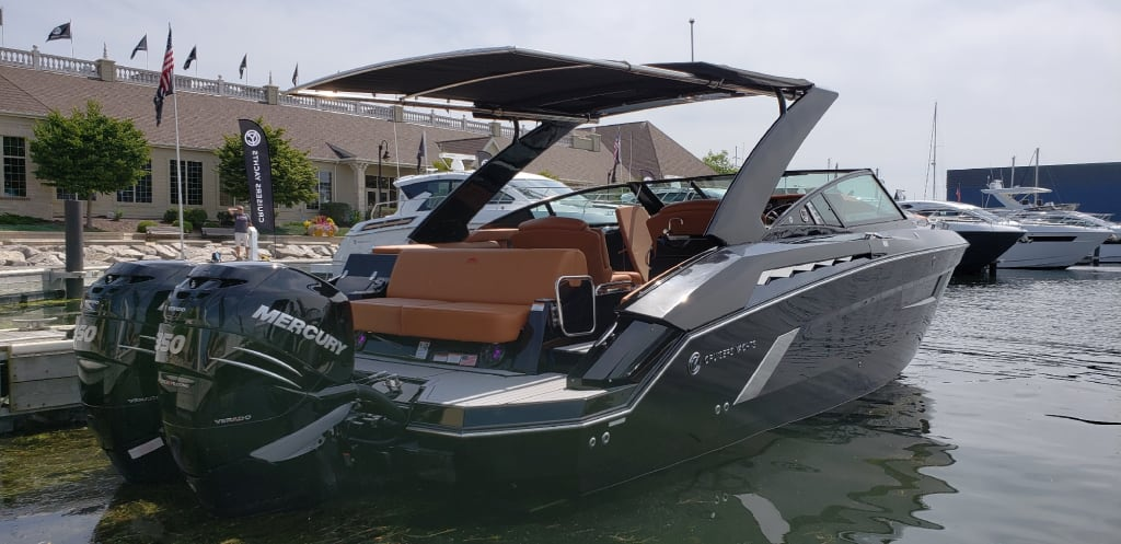 Cruisers 338 OB