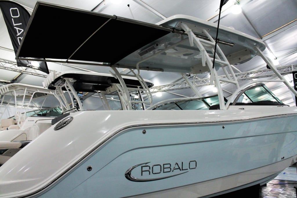 Robalo Boats