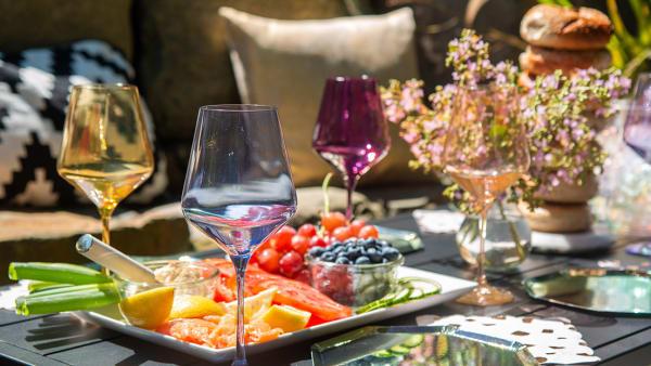 Simple solutions for a summer garden soirée