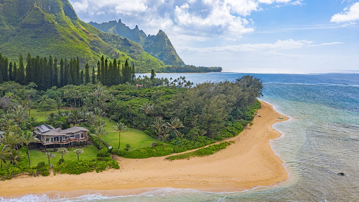hawaii mountain and ocean view