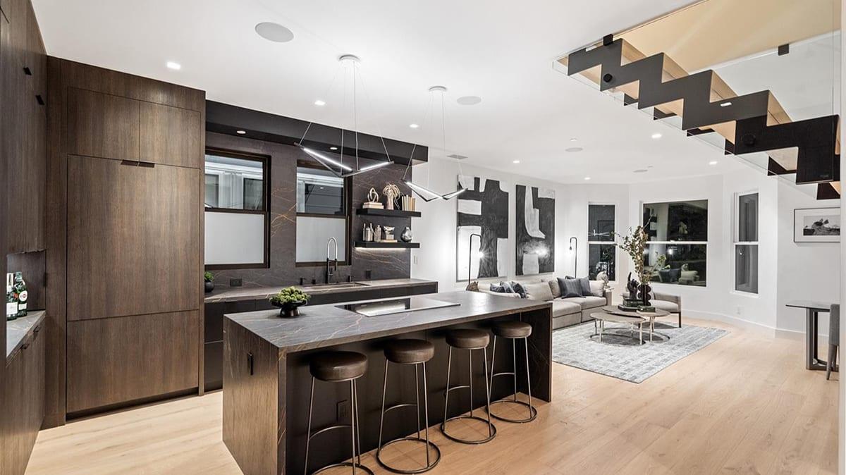 luxury real estate finances