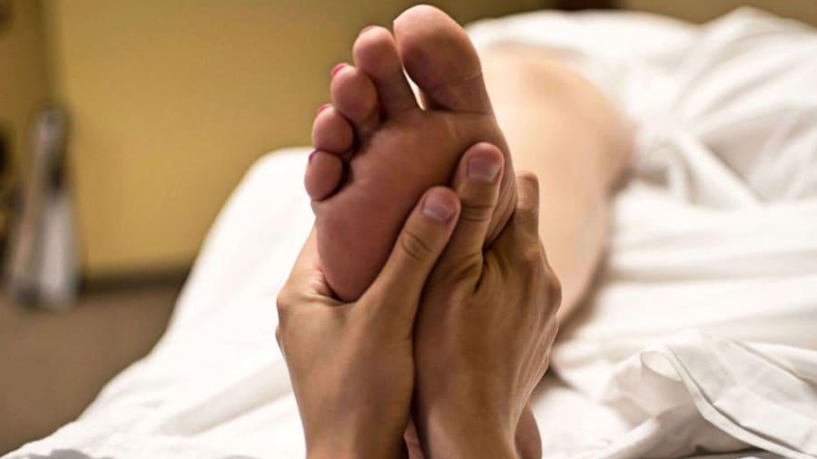 acupressure point on foot