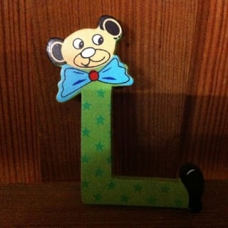 lettre L en bois couleur, petit modèle, tête ourson