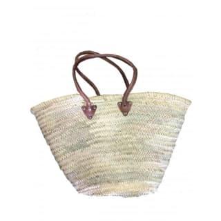 Cabas souple de marché en palme, anses cuirs rondes, anses bandoulières.
