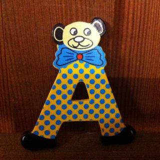 lettre A en bois couleur, petit modèle, tête ourson