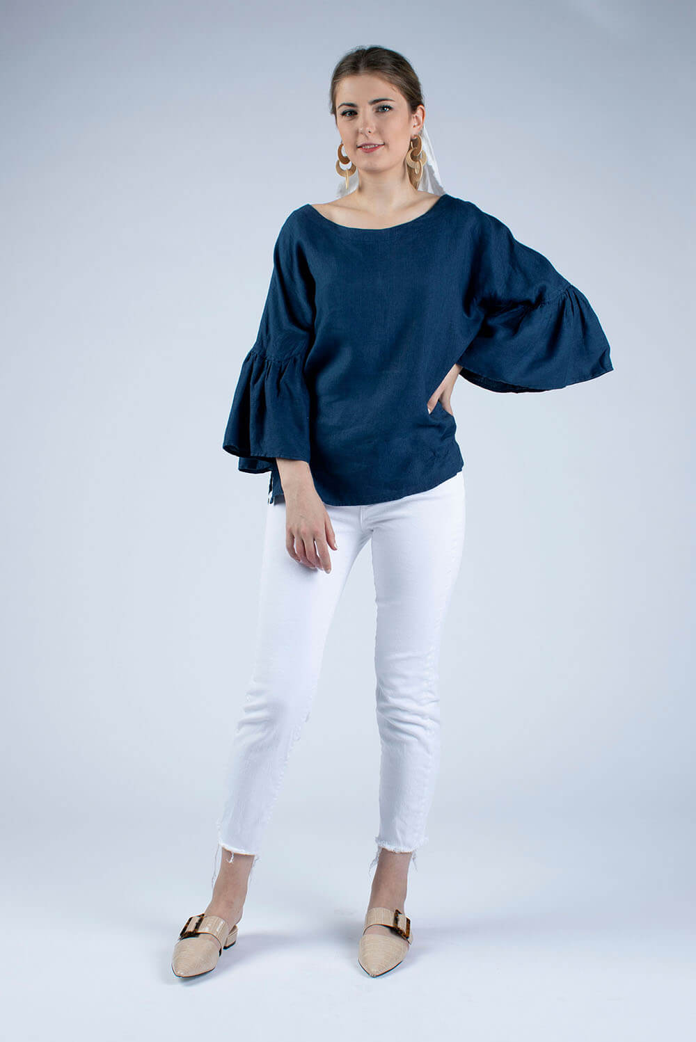 Hannah Linen blouse in Jeans blue by Cut Couture